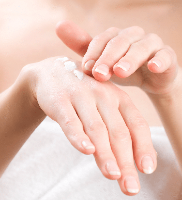 7 Ways to Keep Your Skin Hydrated This Winter